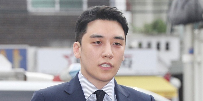 Seungri (BigBang) phải hoãn xuất ngũ, bị giam trong nhà tù quân đội sau loạt bê bối